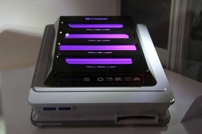 RetroN 5 Interior