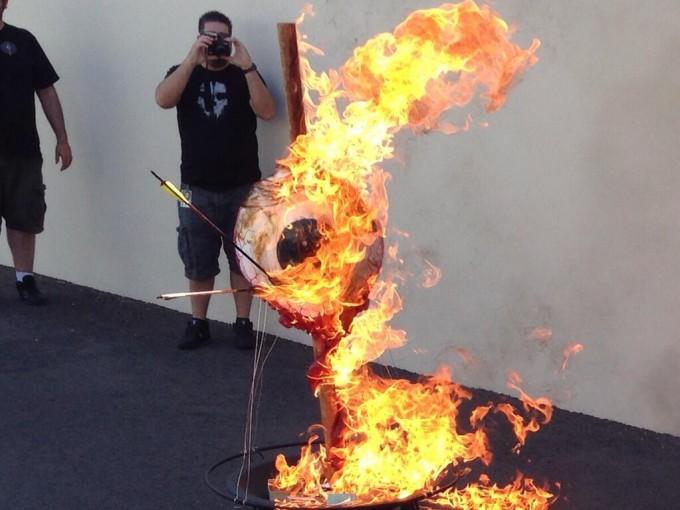 logo-neversoft-quemado