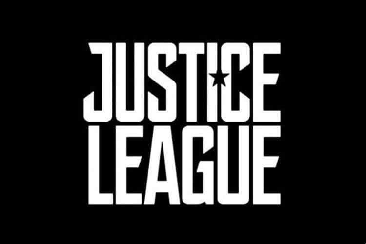justice league sinopsis batmovil detalles