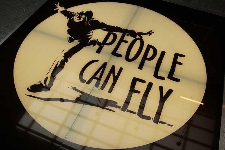 colaboración entre Square Enix y People Can Fly