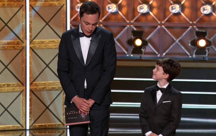 Los Sheldon entregan un premio en los Emmy 2017